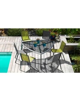 Table Malaga triangle + 6 chaises Linea